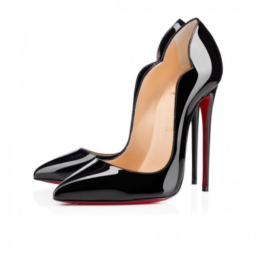 130mm of HOTTTTness! Louboutin Hot Chick Review
